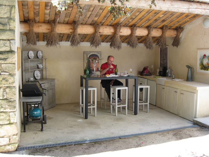 outdoor kitchen and laundry area